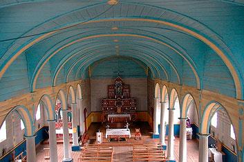 interior-iglesia-de-rilan
